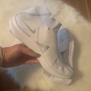 Nike Free Run  Motion Flyknit